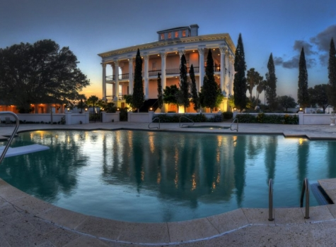 cropped-Pool-Twilight-Pano2.jpg